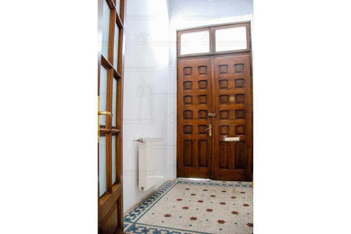 2 Camere de Inchiriat Zona Kiseleff, in Vila Monument Istoric Recent Consolidata