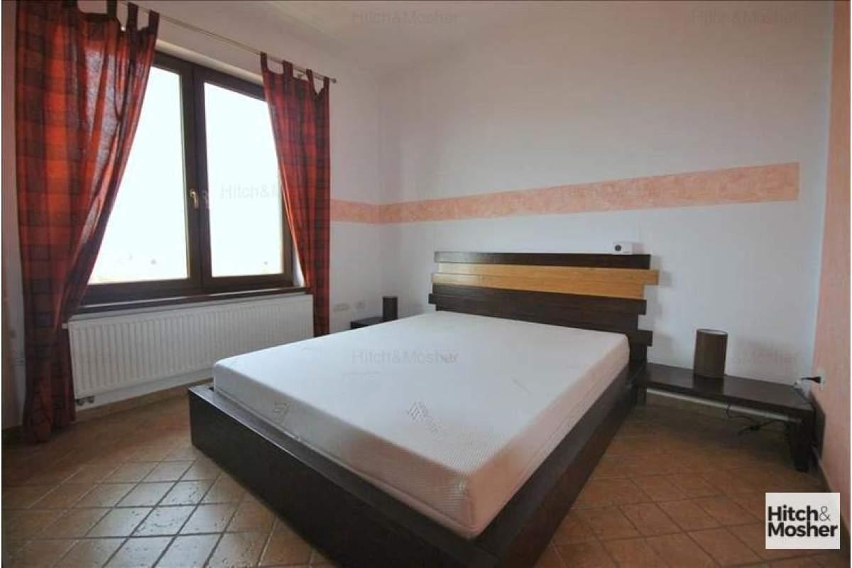3 camere, amenajat in zona Bucovinei