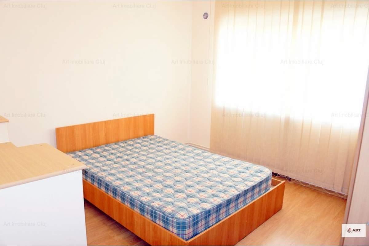 3 camere, (dormitoare), decomandat, mobilat modern, in Zorilor, strada Padurii