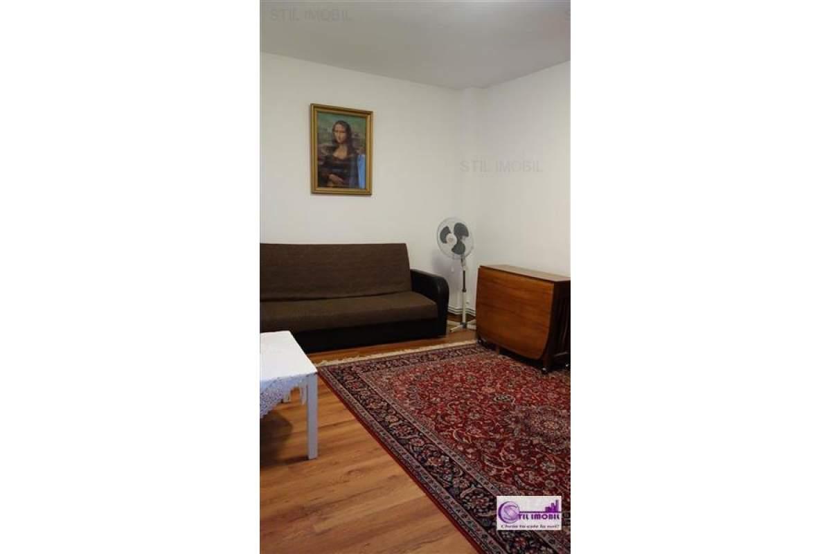 Alexandru cel Bun Apartament 3 camere decomandat