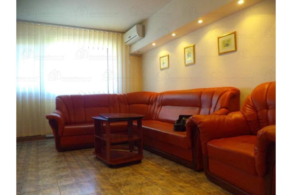 Apartament 2 camere central, Str. Cuza-Voda