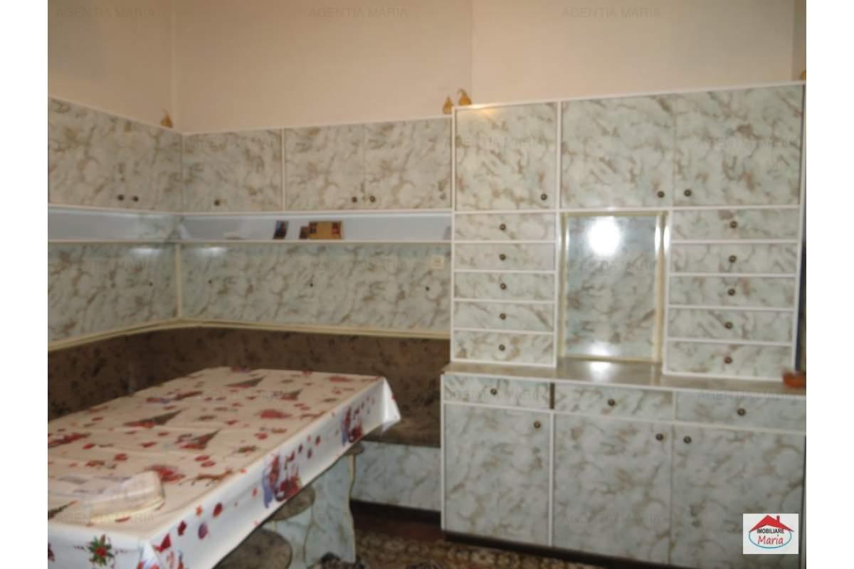 Apartament 3 camere, 2 bai, microcentrala, balcon