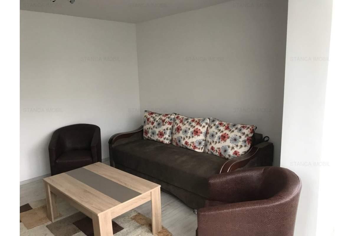 Apartament 3 camere, decomandat, zona Plopilor