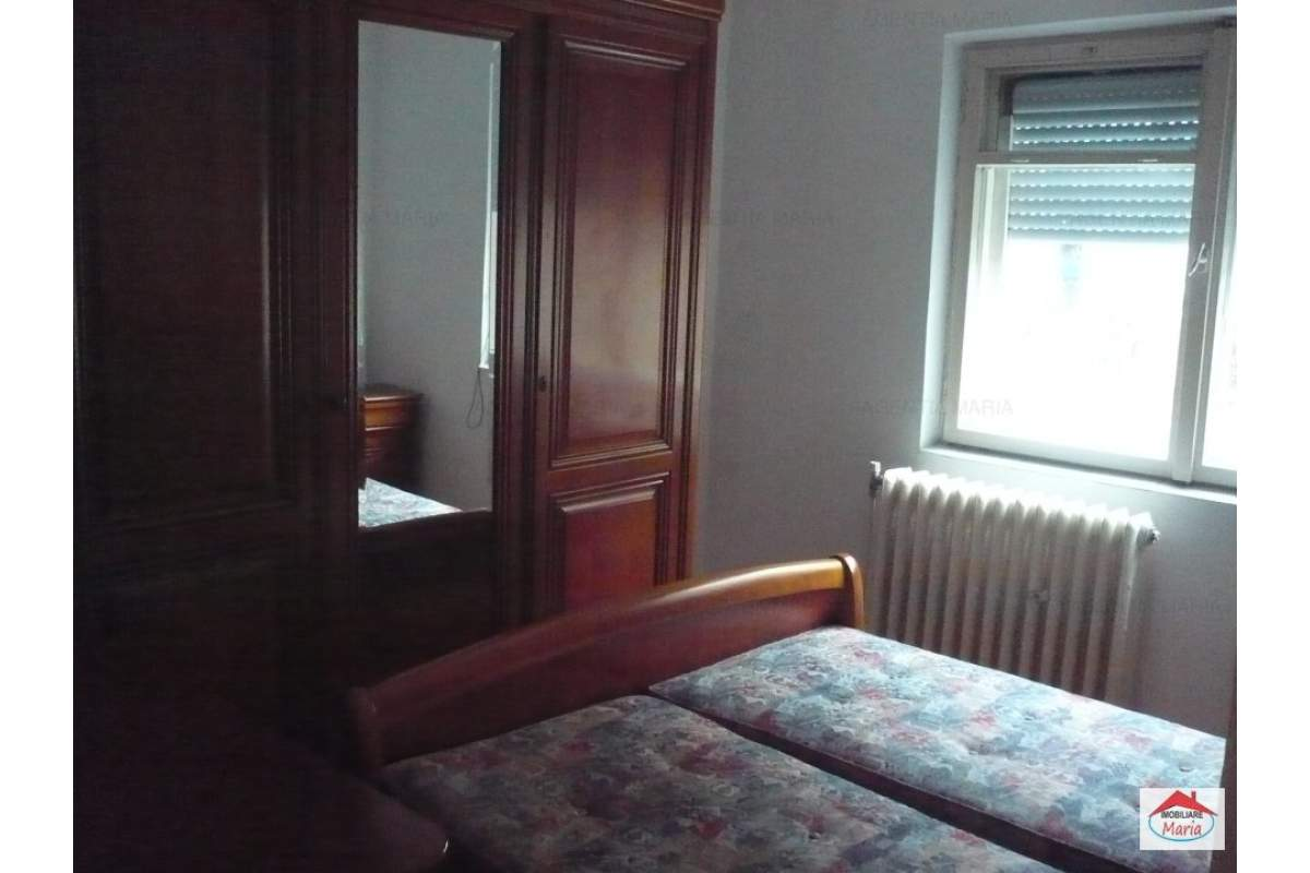 Apartament 3 camere decomandate, mobilat Micro 16