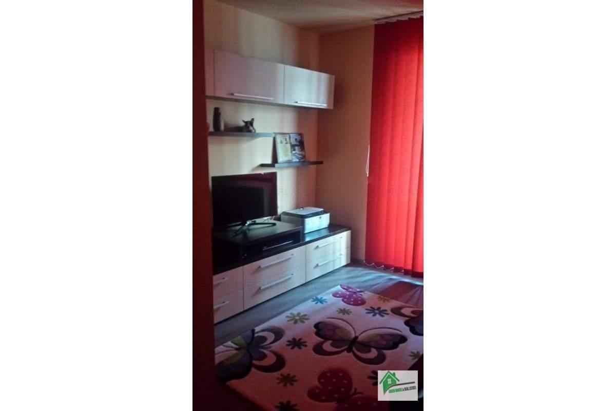 Apartament 3 camere decomandat,mobilat si utilat