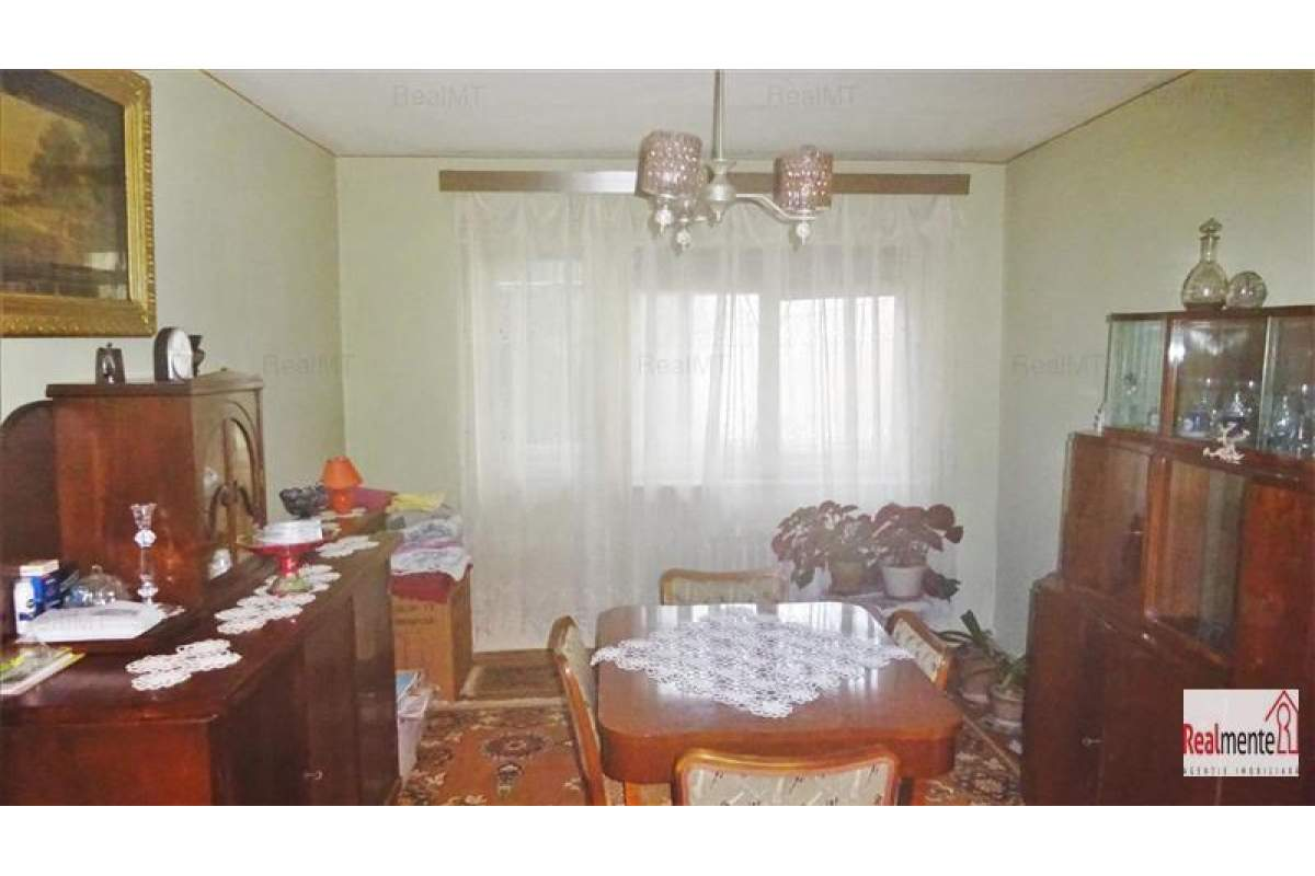 Apartament 3 camere, etaj 1, langa Flanco
