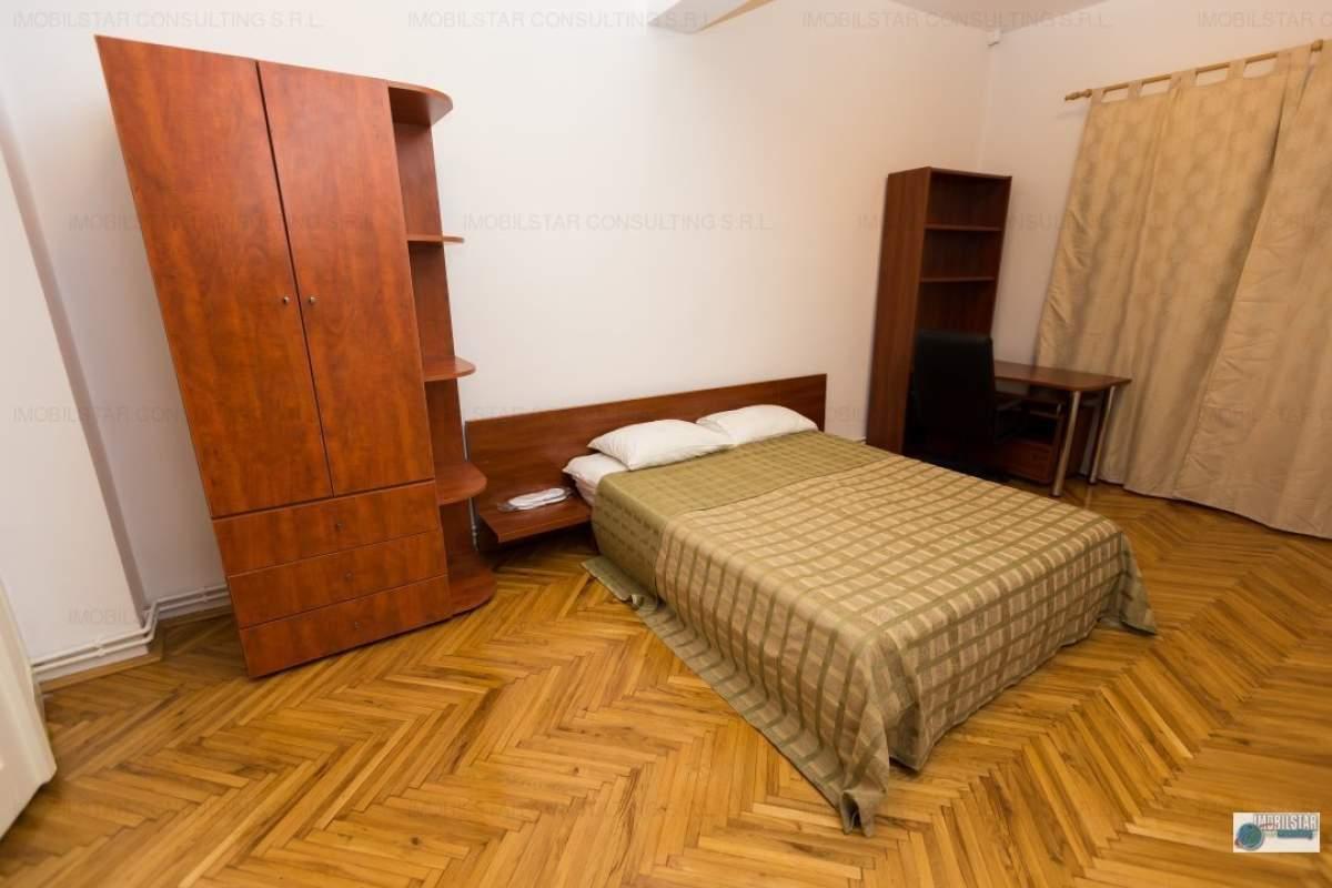 Apartament 3 camere, strada Salcamilor