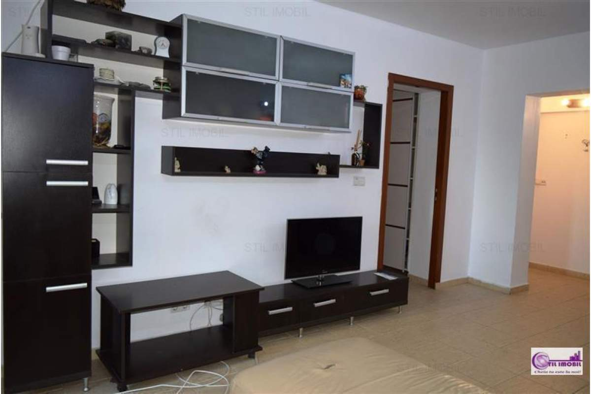 Apartament 3 camere ultracentral Palat - Moldova Business Center