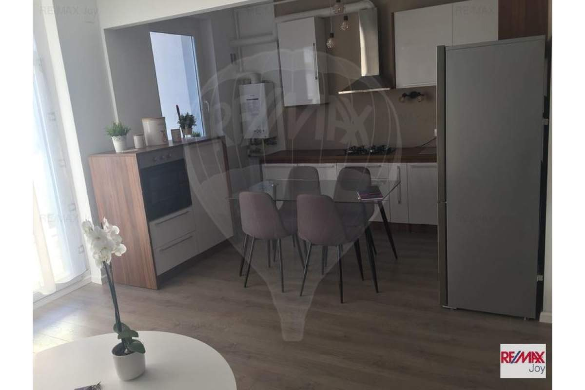 Apartament cu 2 camere de inchiriat in zona Central