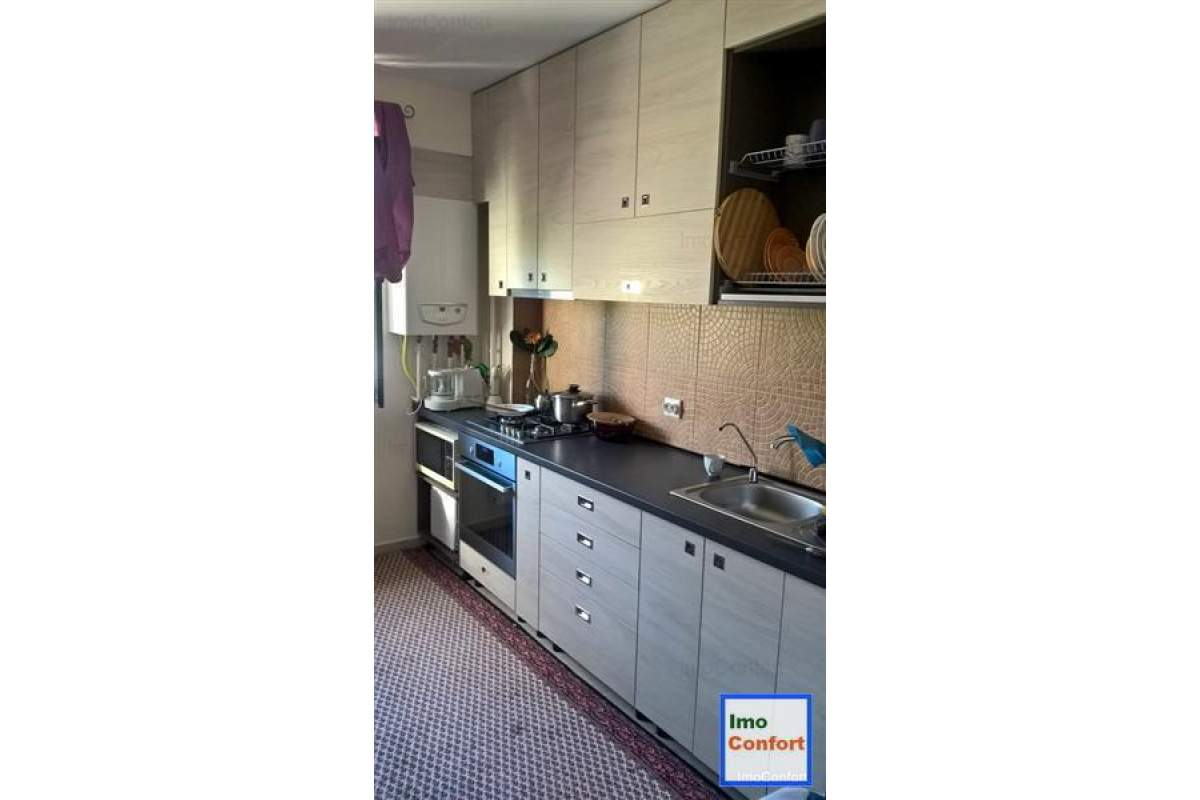 Apartament cu 2 CD, de lux, in Bucium, la strada