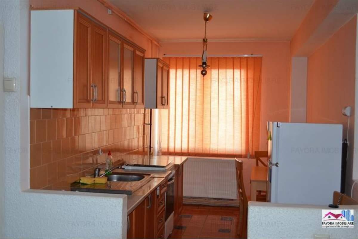 Apartament cu 3 Camere de Inchiriat in Zona Centrala.