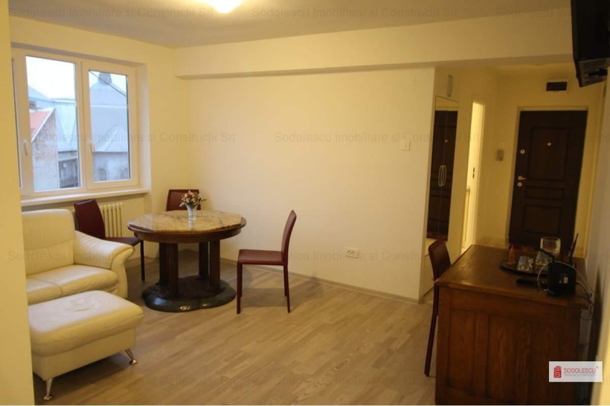 Apartament cu 3 camere de inchiriat in zona Ultracentral