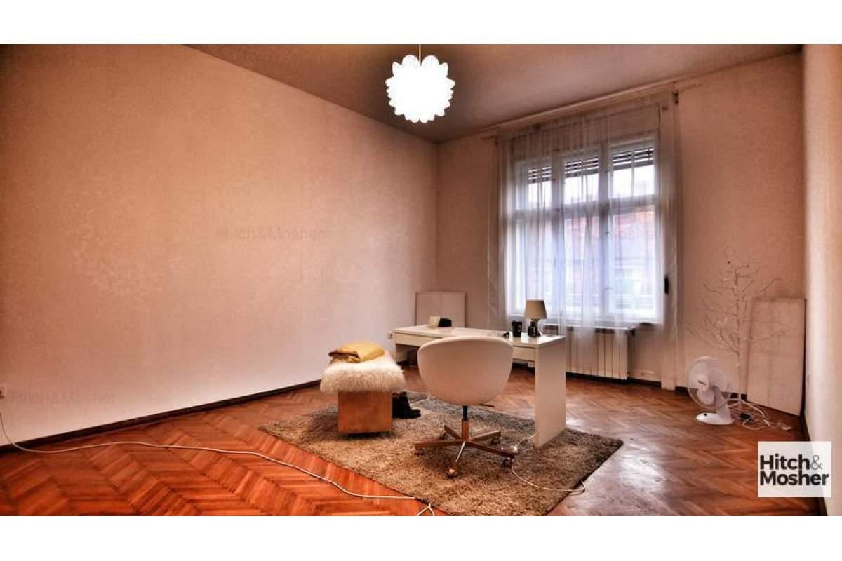 Apartament cu 3 camere de vanzare - zona Ultracentral - Piata VICTORIEI
