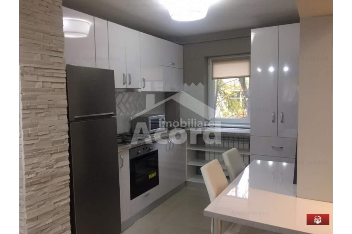 Apartament cu 3 camere decomandat Copou LUX