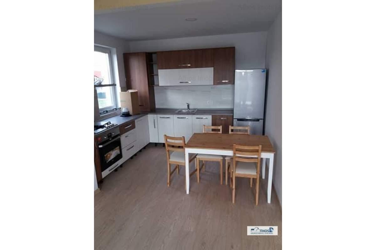 Apartament cu 3 camere decomandat NOU in spate la Selgros