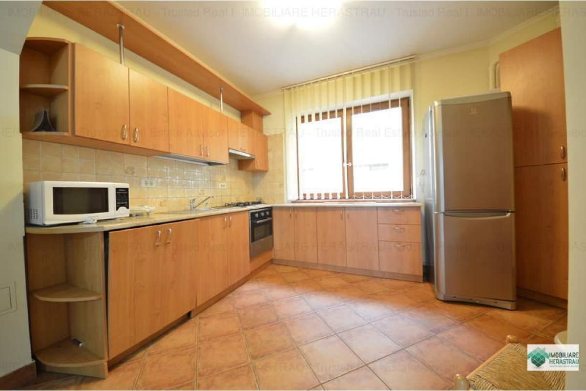 Apartament cu 3 camere in zona Soseaua Nordului