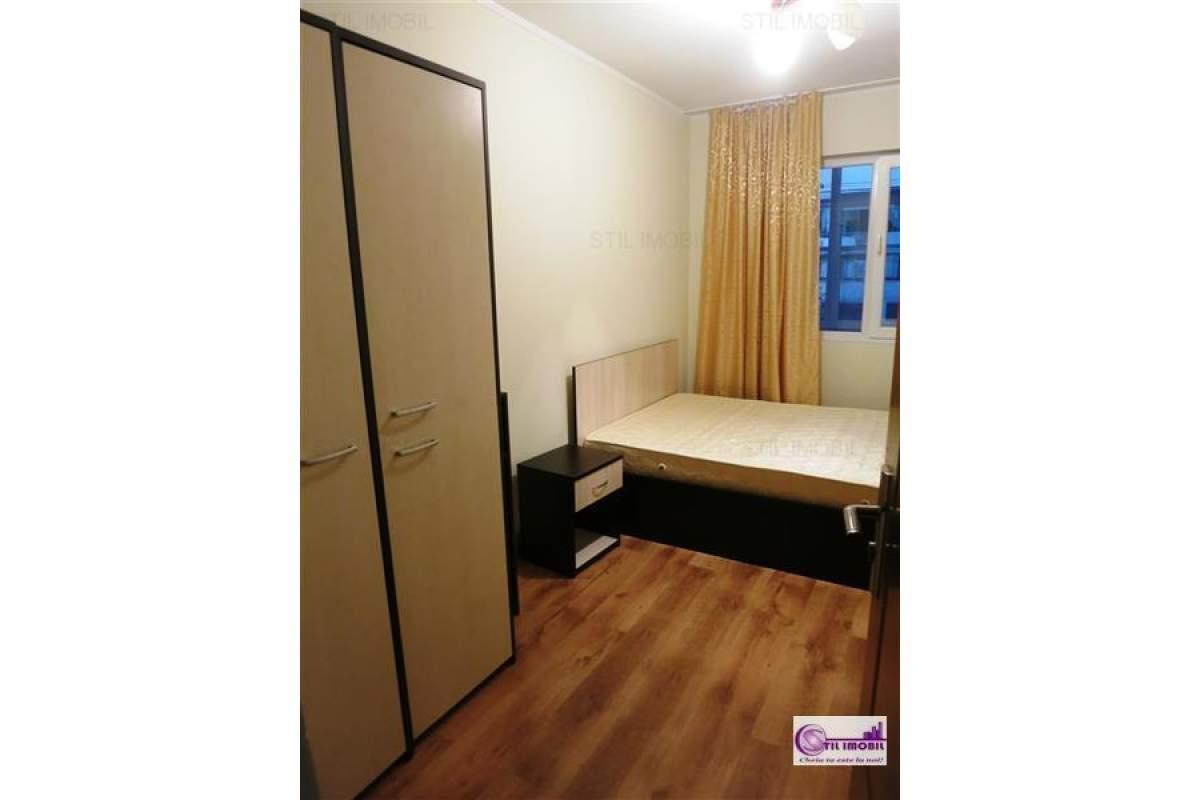 Apartament cu 3 camere zona Podu Ros
