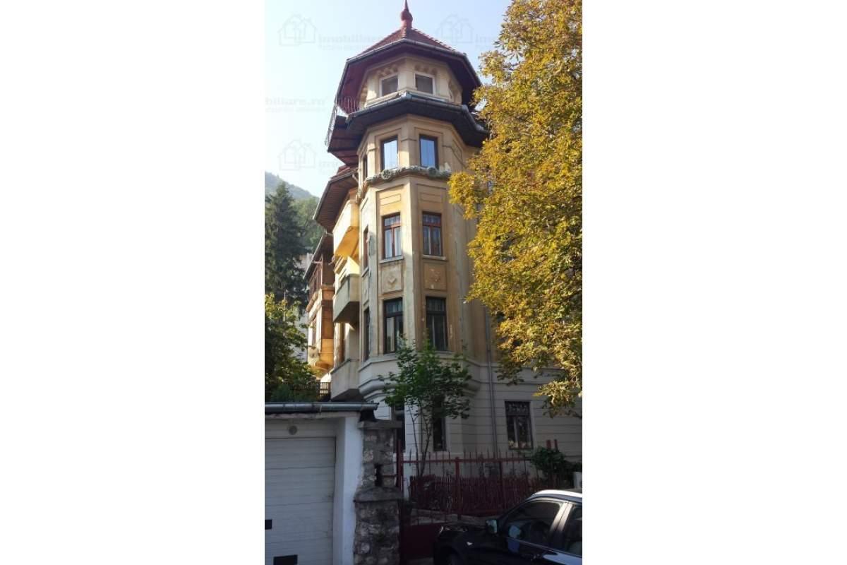 Apartament cu doua nivele, centru