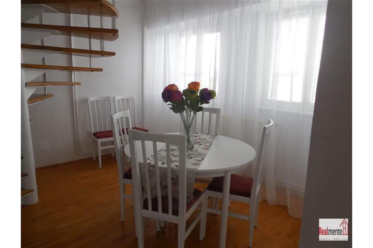 Apartament cu scara interioara ultracentral