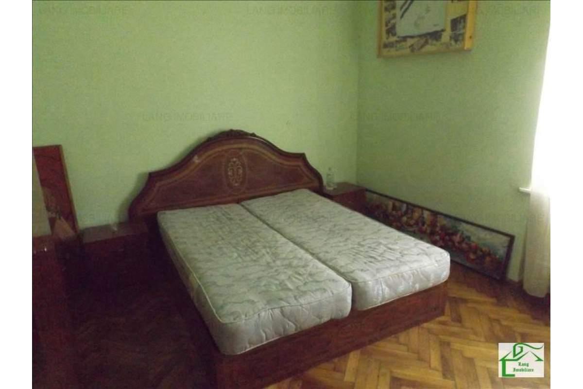 Apartament de inchiriat 4 camere