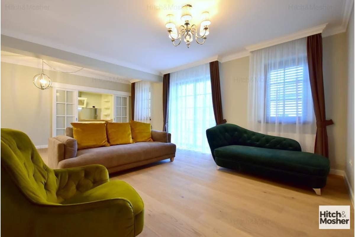 Apartament de lux - 4 camere - zona Centrala