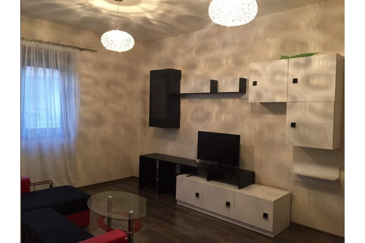 Apartament de lux, Zona excelenta in oras,Comision 0,disponibil imediat