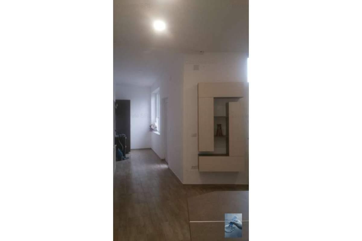 Apartament la casa , zona Parneava !!!