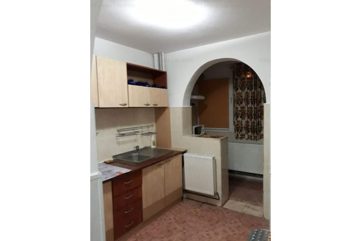 Apartament mobilait la prima chirie