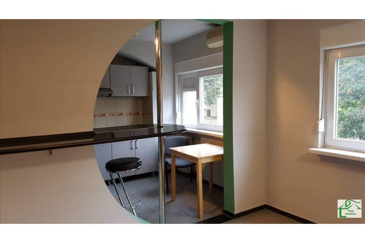 Apartament situta in zona Ultracentrala, frumos amenajat