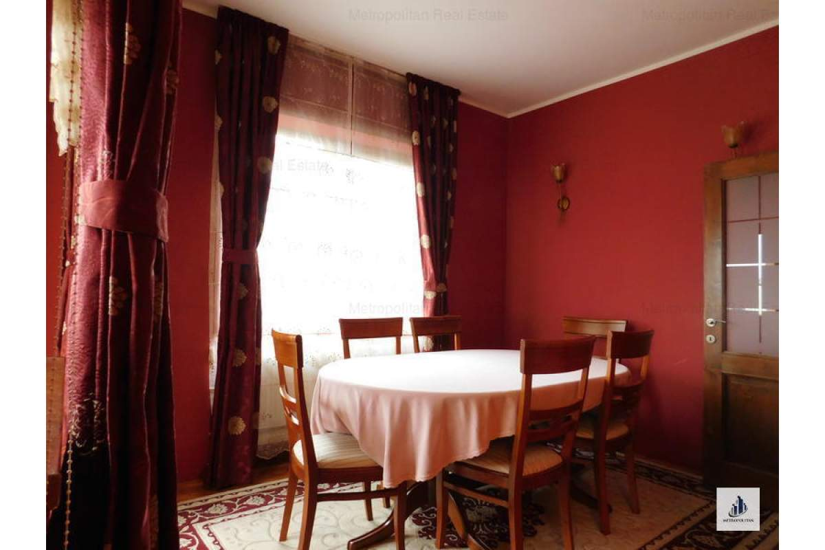 Apartament spatios 4 camere de inchiriat, chiar langa Hotel Napoca
