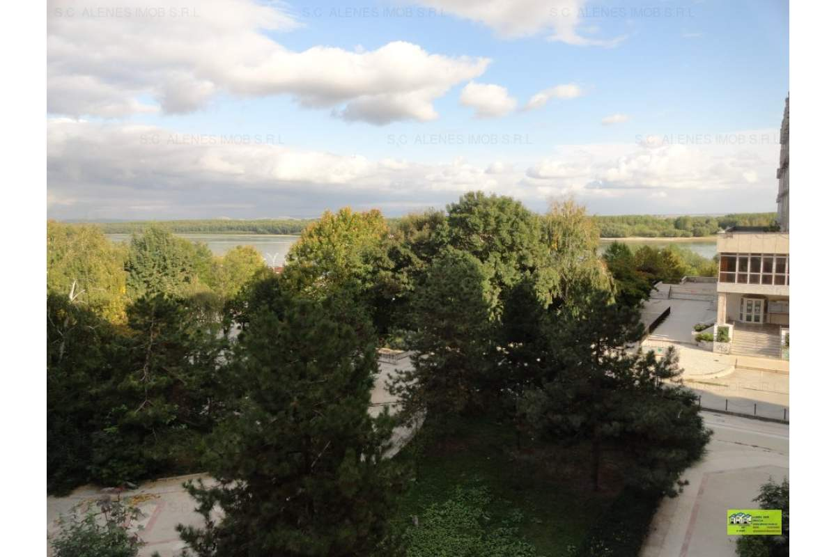Apartament ultracentral 2 camere vedere la Dunare mobilat lux ,recent zugravit