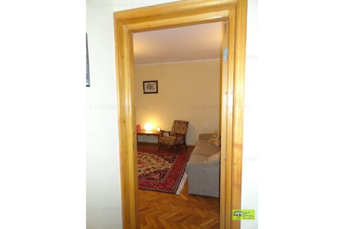 Braila apartament 3 camere de inchiriat ultracentral complet mobilat si renovat