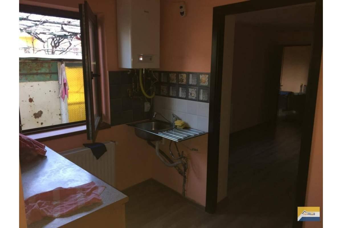 Casa 1 camera, zona Blumana