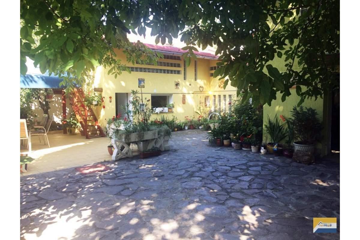 Casa 3 camere, de inchiriat, Bartolomeu