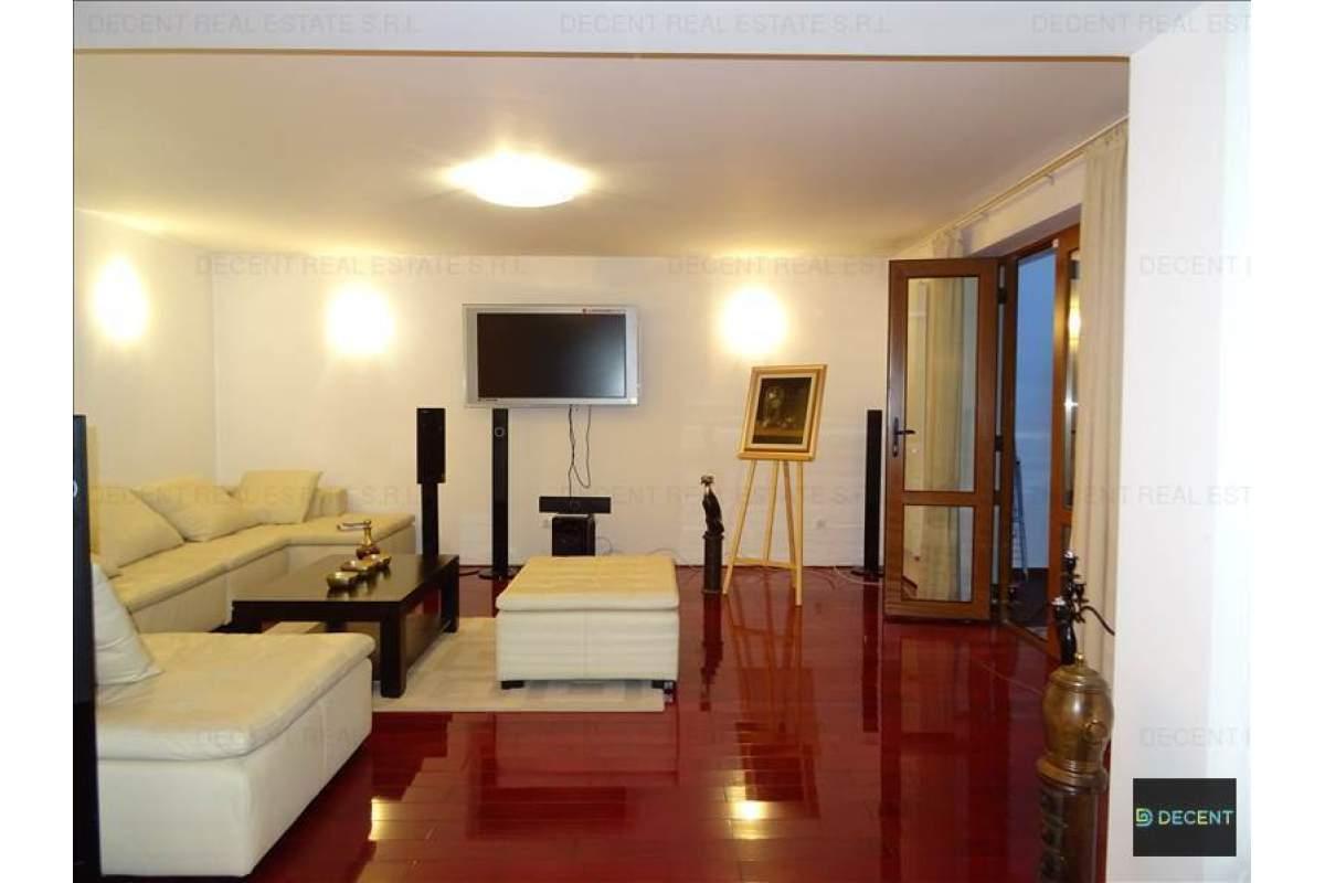 Casa 5 camere, Zona Centrala, Brasov