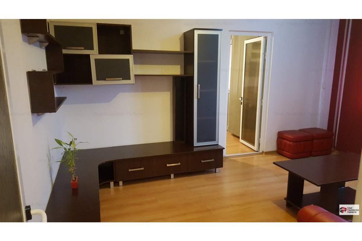 Casa De Cultura, apartament 2 camere stradal