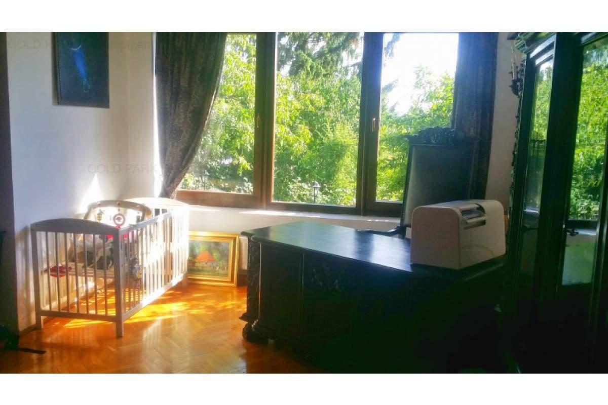 . . : : Casa de inchiriat! - 160 mp - Moderna - Panorama Deosebita : : . .