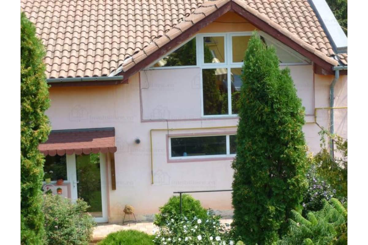 Casa individuala in curte comuna!