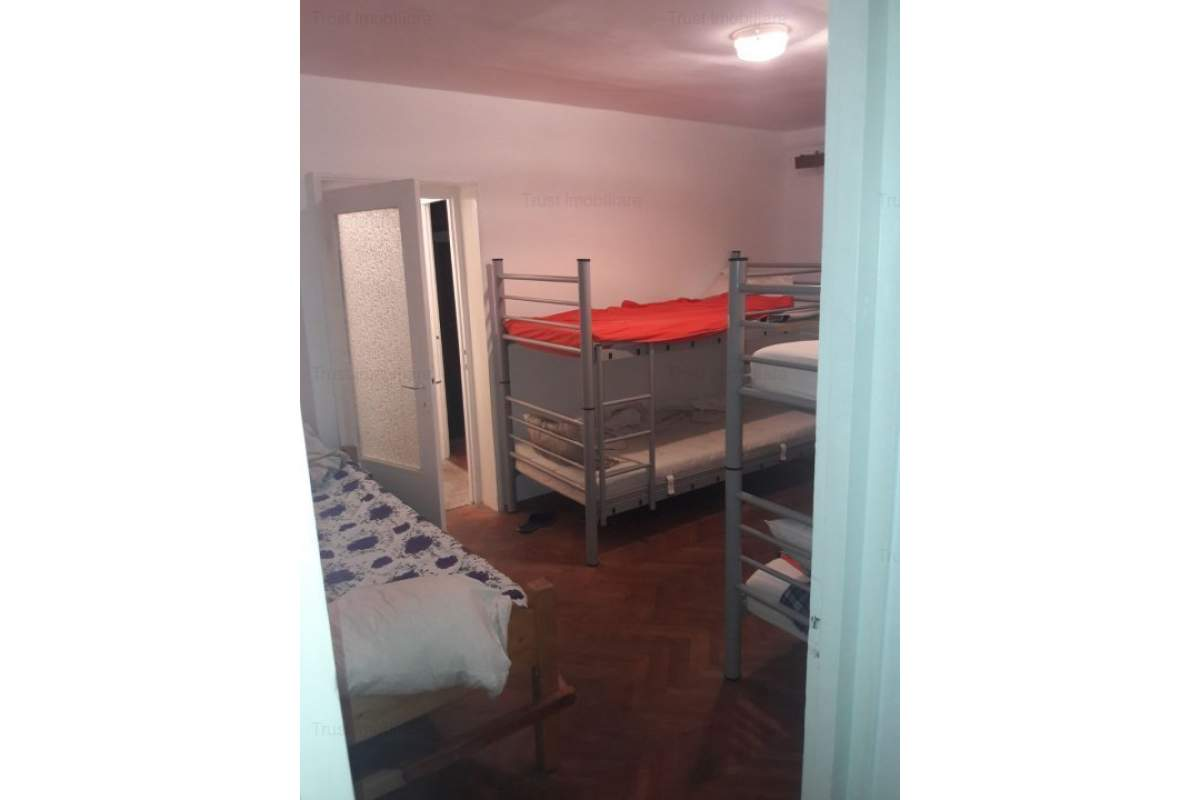 Casa ,muncitori,utilata/mobilata, zona Someseni, 25 ron