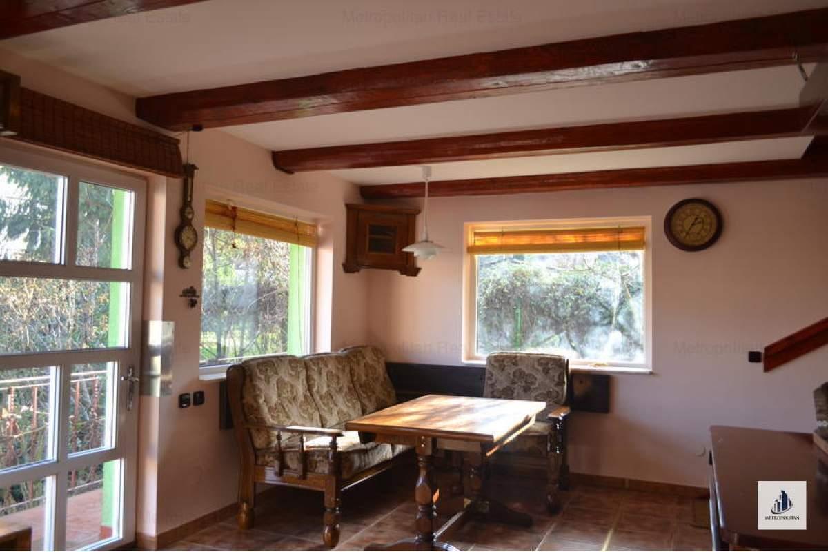 Casa / Vila cu 2 camere de inchiriat in zona Andrei Muresanu