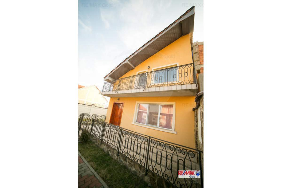 Casa / Vila cu 4 camere de inchiriat, Aradul Nou