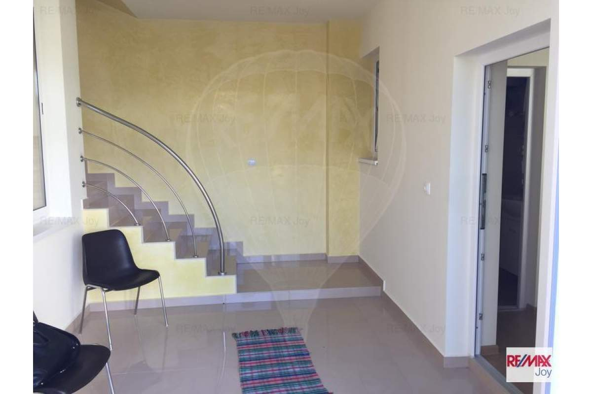 Casa / Vila cu 6 camere de inchiriat in zona Oncea