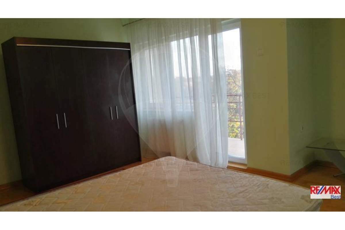 Casa / Vila cu 8 camere in zona Andrei Muresanu, vanzare/inchiriere