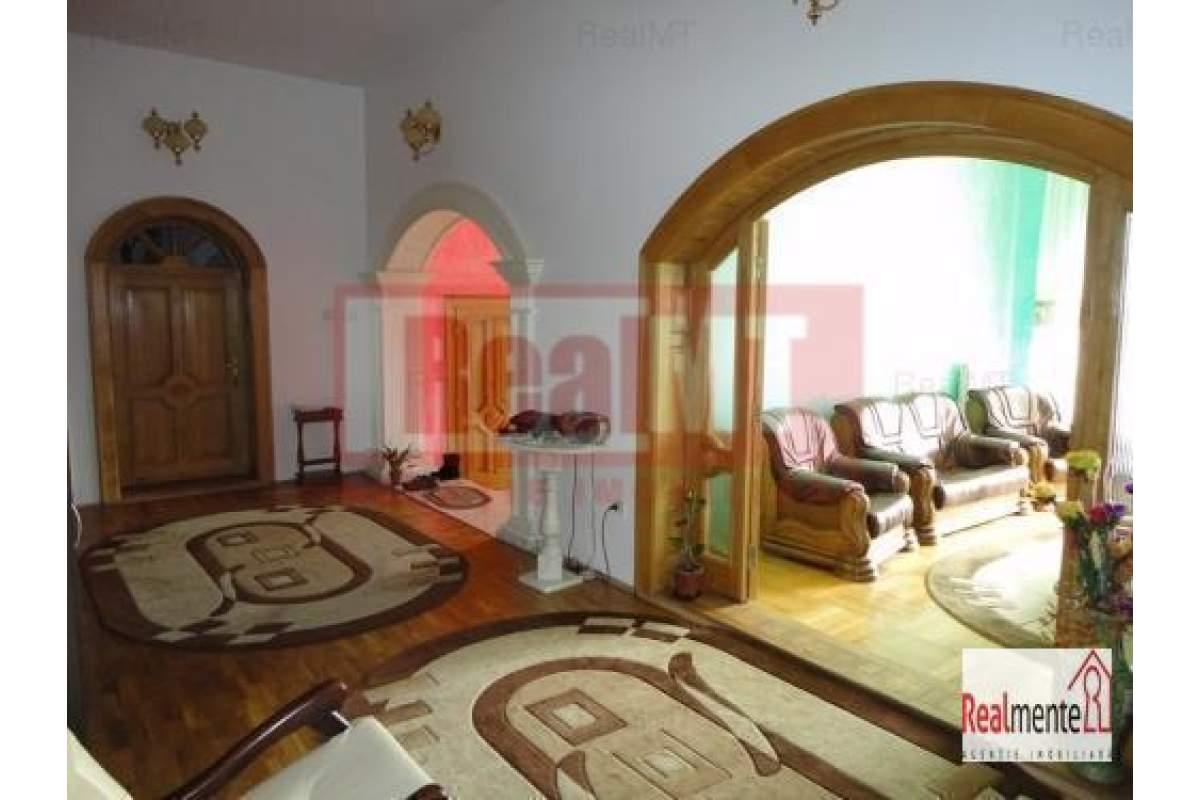 Casa-Vila de inchiriat Alba Iulia Cetate