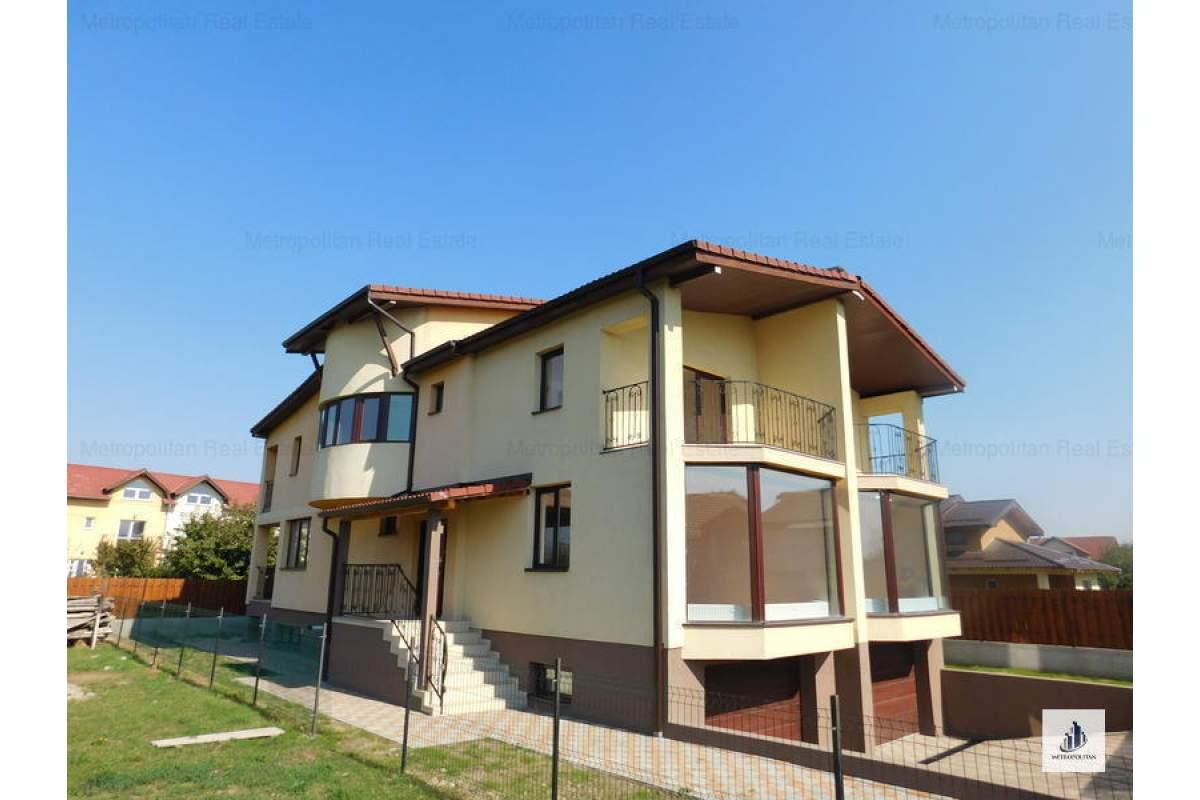 Casa/Vila spatioasa cu 10 camere de inchiriat in zona Someseni