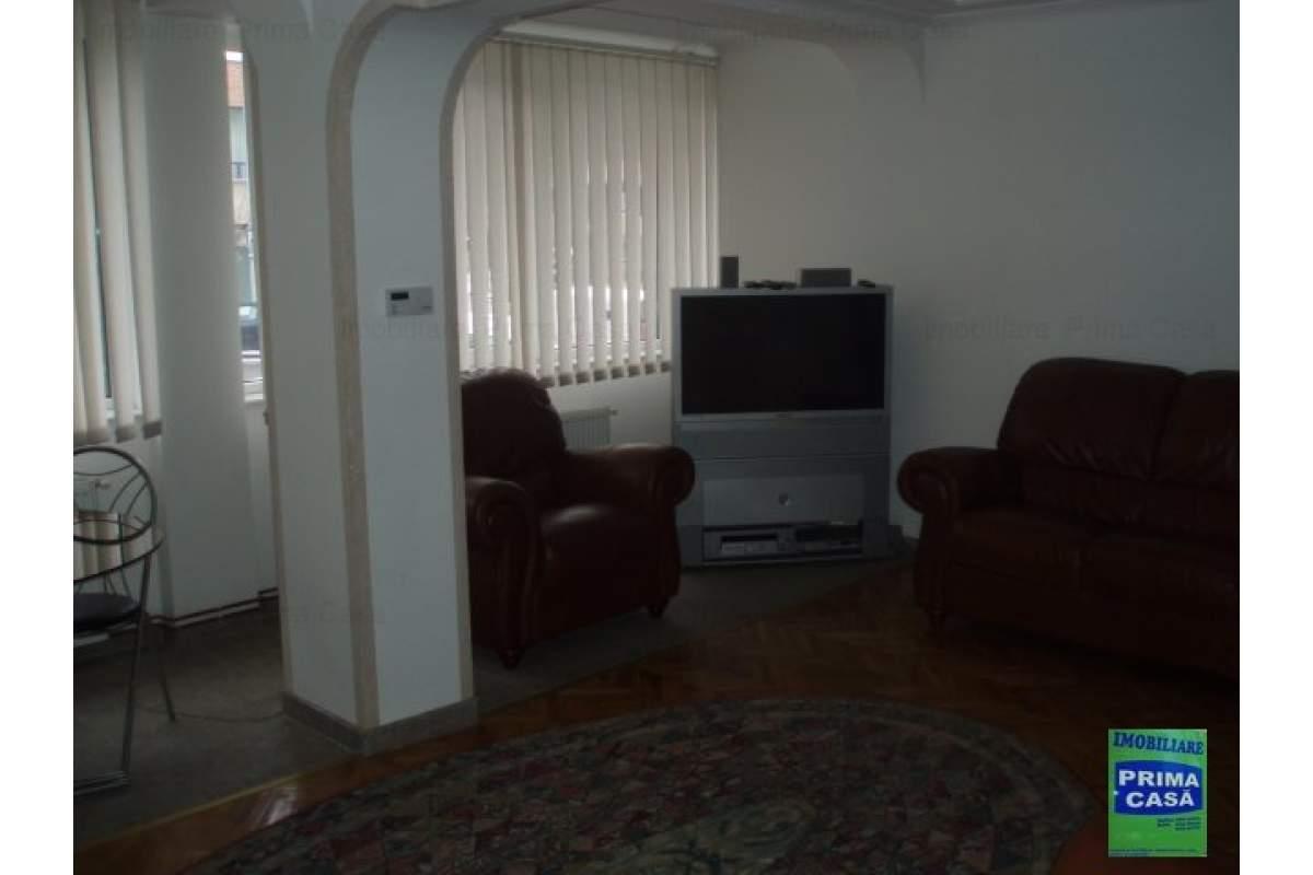 Culturii, 3 camere, decomandat, mobilat si utilat, 400E
