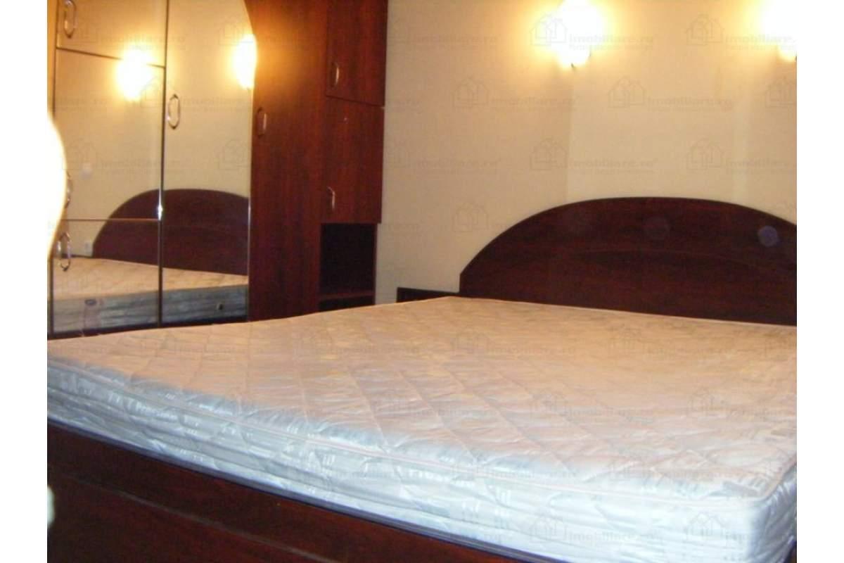 De inchiriat apartament de lux cu 3 camere si pentru perioade scurte, 1000 lei