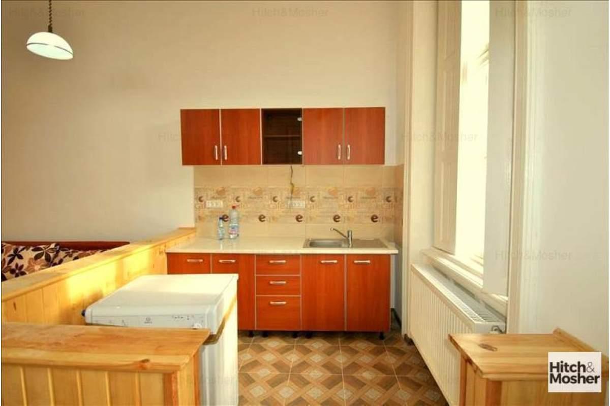 De inchiriat apartament o camera - Piata Maria