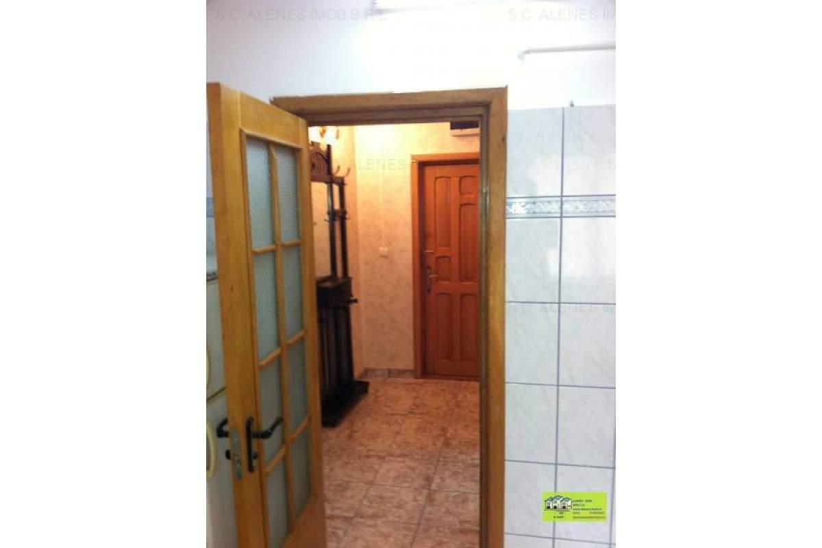 de inchiriat apartament o camera zona centrala mobilat complet
