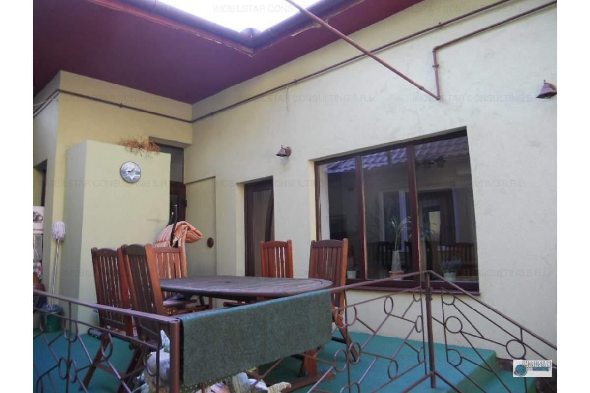 De inchiriat casa zona Cornisa